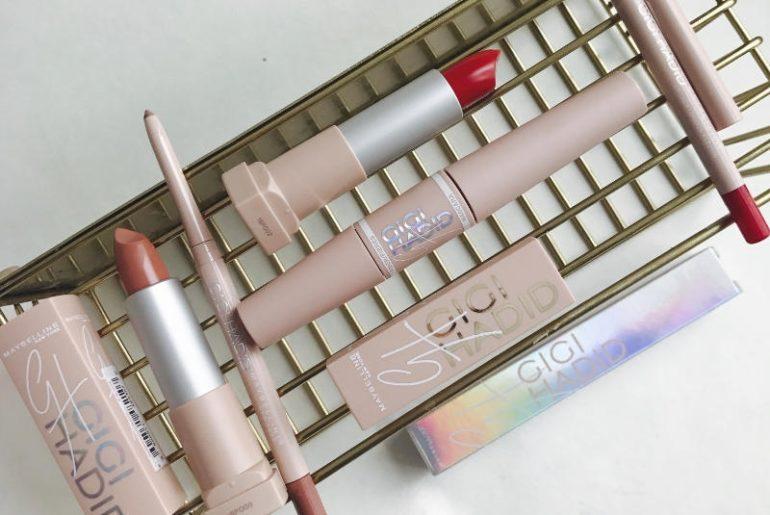 Nowość, czyli makijaż modelki i influencerki Gigi Hadid dla Maybelline New Yprk, to kolekcja podkładów, cieni, kosmetyków do modelowania twarzy, pomadek do ust oraz produktów do makijażu oczu. Mają świetne opakowania i boskie konsystencje