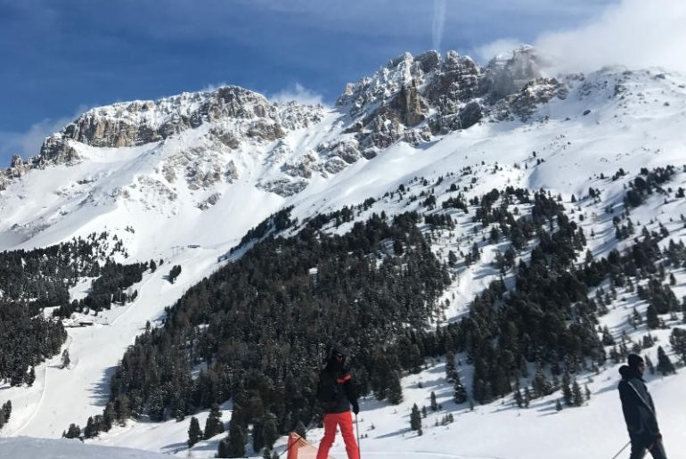 Dolomity w rejonie Trentino - w tym San Martino i Val di Fiemme, to jedne z najbardziej malowniczych stoków, na jakich miałam okazję jeździć na nartach. Przepięknie przygotowane, z idealnym śniegiem, sprawnymi wyciągami - ciężko znaleźć minusy tego miejsca