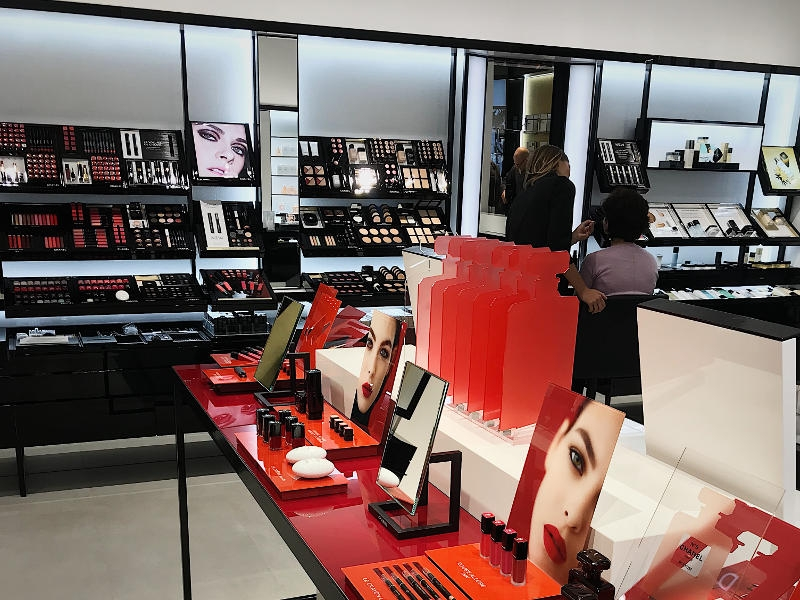 c65e006ed41e3 Pierwszy w Polsce butik Chanel Beauty Warsaw, w Galerii Mokotów - No ...