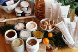 Kosmetyki Fresh, to zupełnie świeże spojrzenie na pielęgnację skóry. Konsystencje, zapachy i komponenty tak prawdziwe i świeże, że ma się ochotę je zjeść. Dostępne od kwietnia w perfumeriach Sephora!
