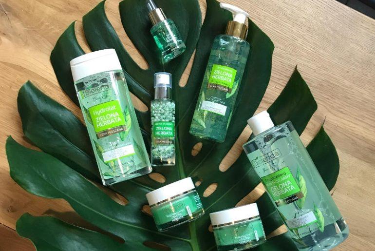 Linia kosmetyków do pielęgnacji skóry mieszanej i łojotokowej Zielona Herbata Bielenda, to pełne spektrum produktów do oczyszczania, nawilżania skory i spcejalnych kosmetyków regulujących pracę gruczołów łojowych
