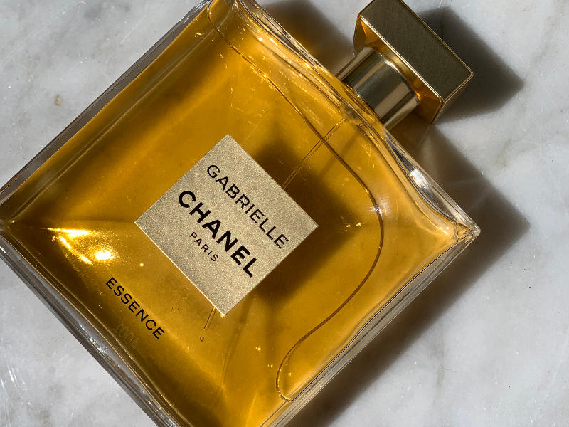Esencja kobiecości. Perfumy Gabrielle Chanel Essence