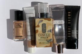 Kremy BB, koloryzujące, z kroplą pigmentu są genialnym zastępstwem podkładu w letnim makijażu. Zawierają filtry SPF, składniki pielęgnacyjne i kolor. Są sezonowym must have