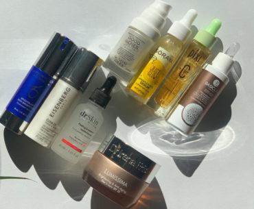 Rozświetlenie skóry pielęgnacją. To dopiero jest sztuka. Makijażem można zrobić wiele, ale jeśli da się uzyskać efekt jednolitej, pełnej blasku skóry kremem czy serum, to rozświetlacze z kolorówki zdają się zbędne