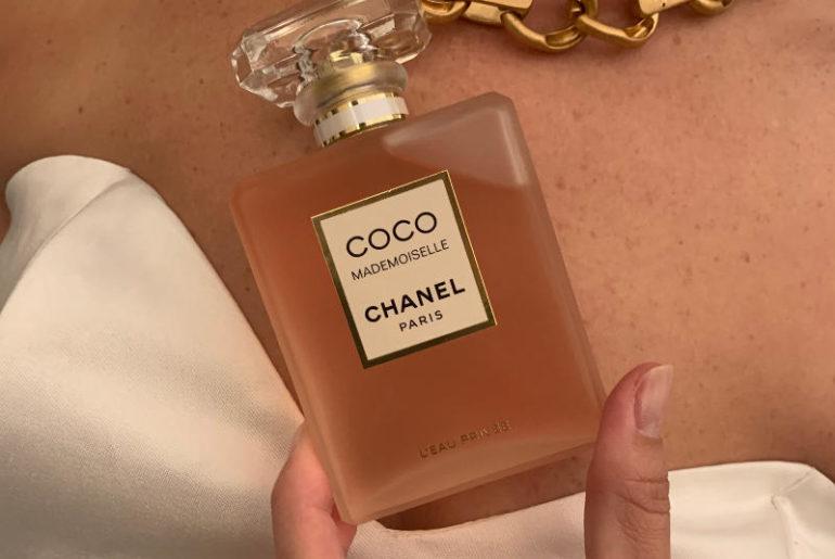 Perfumy na noc? Coco Mademoiselle L'Eau Privée Chanel to najdelikatniejszy z zapachów z całej kolekcji. Łączy płatki róż z jaśminem.