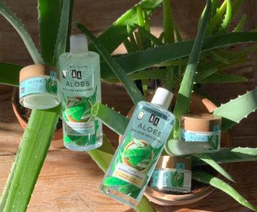AA Aloes to pielęgnacja stworzona z myślą o skórze wrażliwej. Nawilża, odżywia i magazynuje wodę w naskórku. A przy tym jest wegańska i hipoalergiczna