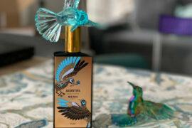 Zapach jak namiętne tango. Memo Argentina to połączenie nut kwiatowych i orientalnych. Jaśminy i róże otula intensywna żywica
